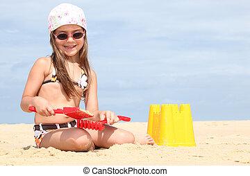 作成, 女の子, 浜, 若い, sandcastles