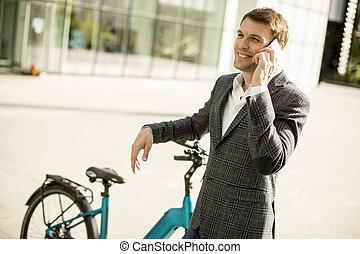 使うこと, ビジネスマン, モビール, ebike, 電話, 若い