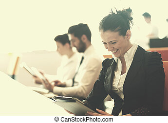 使うこと, 女, ミーティング, タブレット, ビジネス
