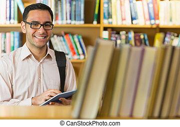 使うこと, 微笑, 学生, タブレット, 成長した