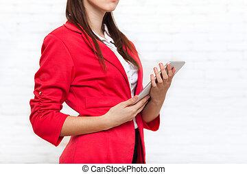 使用, 女, タブレット, ジャケット, コンピュータ, ウエア, 赤