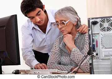 使用, 提示, 若い, 年配, いかに, コンピュータ, 女性, 人