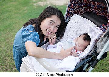 供給, アジア人, 母, ベビーベビーカー, 幸せ
