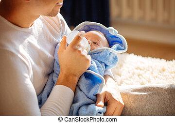 供給, 父, ベッド, 息子, 新生, 彼の, 家, ミルク, 幸せ