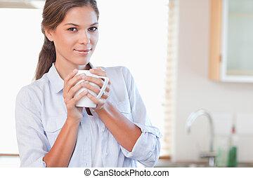 保有物のコップ, お茶, 女