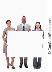 保有物, 空白のサイン, businesspeople