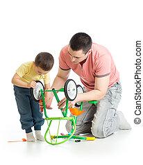修理, 彼の, 自転車, 父, 一緒に, 息子, 壊される, 子供, 家肖像画
