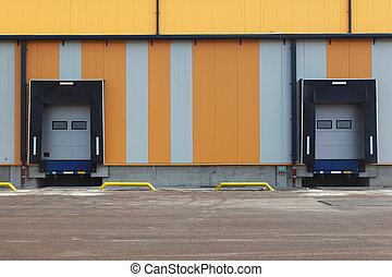 倉庫, ドア