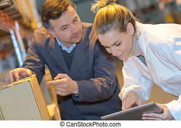 倉庫, 使うこと, 労働者, タブレット, デジタル