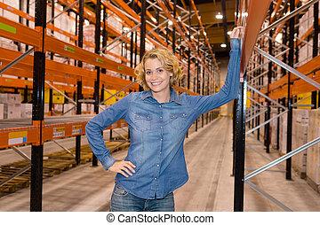 倉庫, 女性実業家