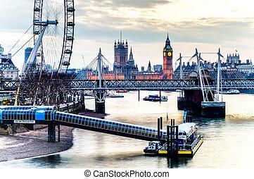 倫敦眼睛, 威斯敏斯特 橋梁, 以及, 大本鐘, 在, the, 晚上