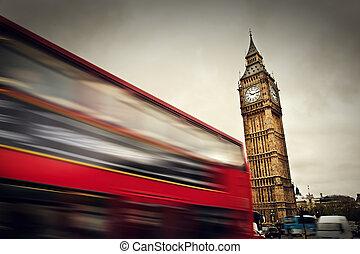 倫敦, the, uk., 紅色, 公共汽車, 在運動中, 以及, 大本鐘