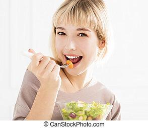 健康な女性, 食べること, 若い, サラダ