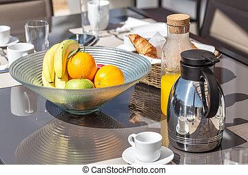 健康に良い朝食, yard., summer., 朝