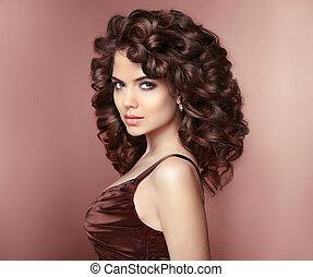 健康, hair., 美しい, 若い, 微笑の 女性, ∥で∥, 長い間, 巻き毛, hairstyle., ブルネット, ∥で∥, 専門家, makeup., 優雅である, 女性, スタジオ, portrait.