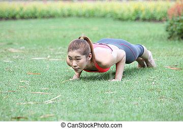 健身, 婦女, 做俯臥撐, 在期間, 戶外, 十字路口訓練, worko