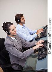 側視圖, ......的, 呼叫中心, 代理人, 做, 他們, 工作