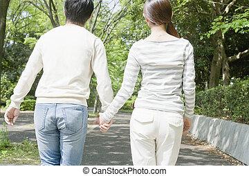 偶力が歩く, 手を持つ