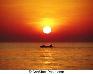 傍晚, 漁船