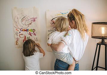 催し物, 彼女, 母, 2, 絵, の間, 子供, home., 家族, quarantine., 若い
