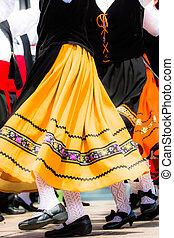 傳統, 跳舞, 西班牙語