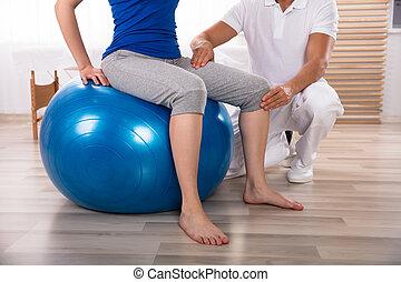 傷つけられる, 物理療法家, 女性, 検査, 足
