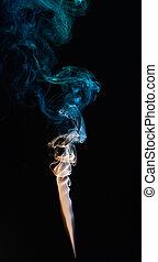 優雅である, カラフルである, 煙