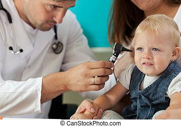 儿科醫生, 檢查, 女孩, 耳朵