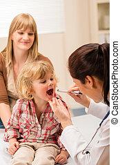 儿科醫生, 檢查, 孩子, 咽喉, 看, 由于, 光
