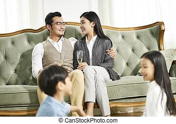 兄弟, 暮らし, 家族, 遊び, 姉妹, アジア人, 部屋