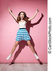 充分的 長度 畫像, ......的, a, 女孩, 在, 衣服, 跳躍