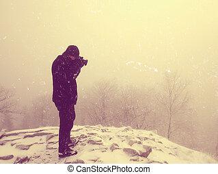 光景, ハイカー, ジャケット, abstract., ピークに達しなさい, clouds., 暖かい, 雪が多い山, 上に, 楽しみなさい, 冬