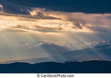 光的光線, 通行證, 透過, the, 云霧, 山風景