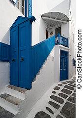 入口, 由于, 藍色的門
