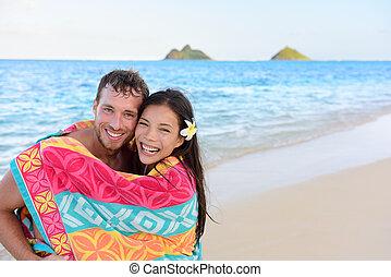 入浴, タオル, ロマンチックな カップル, 浜, 水泳