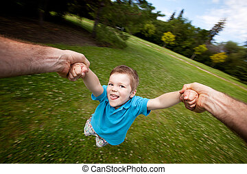 公園, くるくる回る, 屋外で, 父, 息子