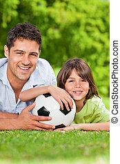 公園, 彼の, ∥(彼・それ)ら∥, ボール, 父, 息子