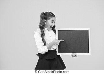 公表, school., publicity., 子供, よい, コピー, ブランク, 子供, わずかしか, 学校, 整頓された, 提示, 黒板, chalkboard., 私達の, 板, 小さい, とんびが指さす, スペース, 空, でき事
