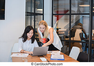 共有, グループ, ビジネス 人々, 部屋, 考え, ∥(彼・それ)ら∥, ミーティング