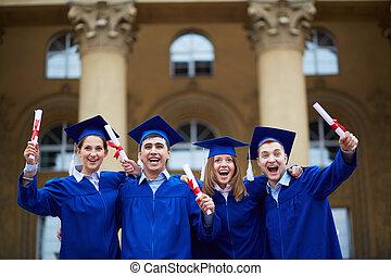 兴奋, 毕业