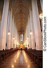 内部, 大聖堂