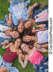 円, 十代の若者たち, 幸せ