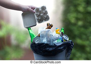 再生利用できる, がらくた, ごみ, 減らしなさい, プラスチック, 環境, ガラス, 節約, consisting