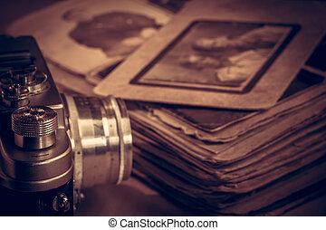 写真カメラ, 古い, テーブル。, 次に, アルバム