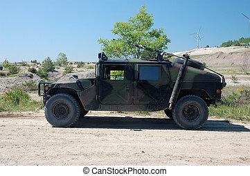 军事的车辆