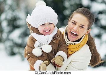 冬, 公園, 母, 赤ん坊, 肖像画, 幸せ