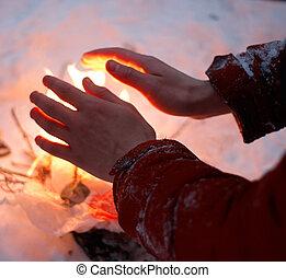 冬, 凍らせられた, ごく小さい, 火, 暖かい, 手, 人