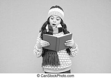 冬, story., レジャー, 子供, 保温カバー, study., 勉強しなさい, 読書, school., reading., lover., 幼年時代, 本, 背中, 快適さ, わずかしか, concept., well., 痛みなさい, 物語, 女の子, 私, development., お気に入り, time.