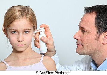 処理, わずかしか, 医者, 伝染, 女の子, 耳