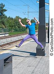列車, 若い, 跳躍, 駅, 人, ハンサム